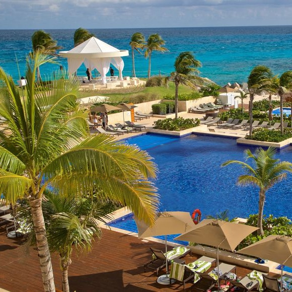 Win A Stay for 5 Days and 4 Nights in Cancun Mexico!
